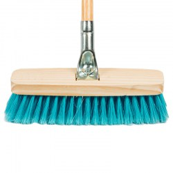 broomdeluxwithmetalconnectorwoodenhandle